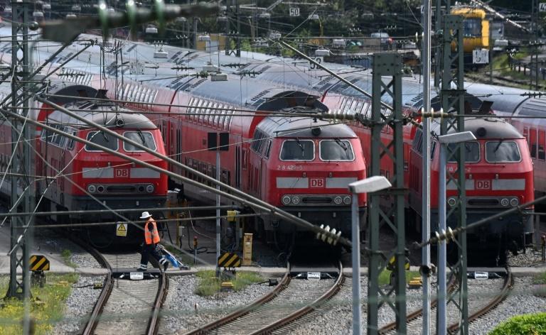 GDL setzt Streik fort - Bahn erhöht Angebot im Fernverkehr auf 30 Prozent (© 2021 AFP)