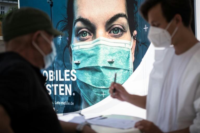 RKI: Bundesweite Sieben-Tage-Inzidenz auf 84,3 gestiegen (© 2021 AFP)