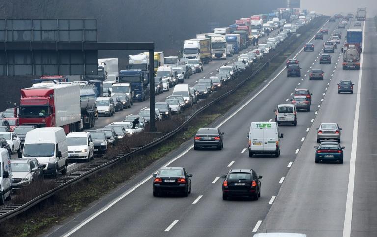 Auf deutschen Autobahnen steht letzte große Rückreisewelle bevor (© 2021 AFP)