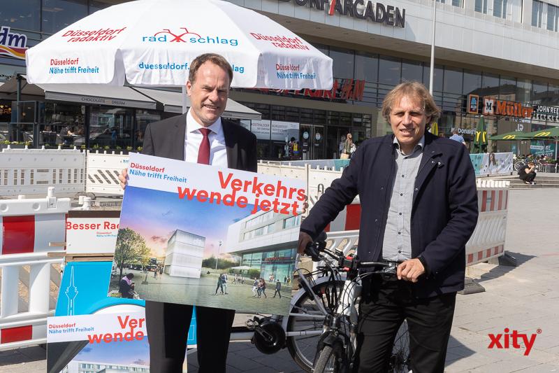 Baubeginn Fahrradparkturm am Bahnhof Bilk. (Foto: xity)