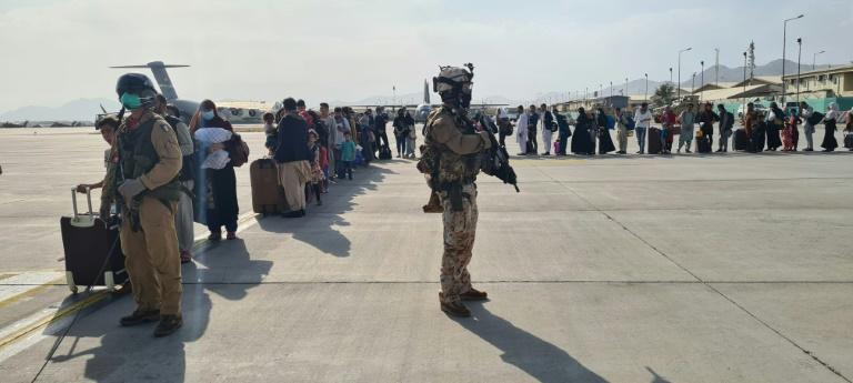 14 Afghanen nach Evakuierung durch italienische Soldaten in Bayern aufgegriffen (© 2021 AFP)