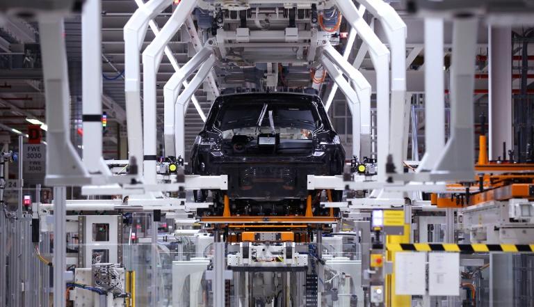 Industrieproduktion zieht im Juli wieder an (© 2021 AFP)