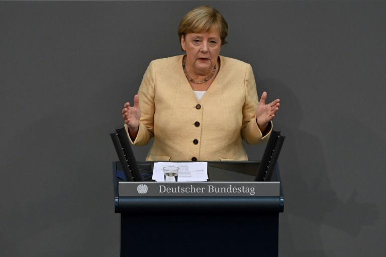 Merkel wirbt im Bundestag offensiv für Laschet (© 2021 AFP)