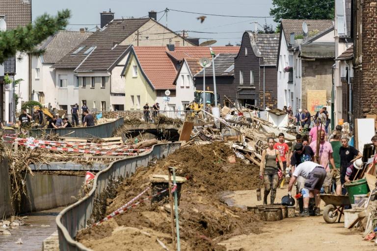 Nordrhein-Westfalen erinnert mit Gedenkstunde im Landtag an Hochwasseropfer (© 2021 AFP)