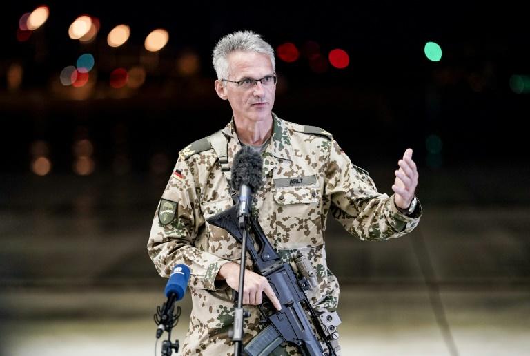 Steinmeier zeichnet Kommandeur des Kabul-Einsatzes mit Verdienstorden aus (© 2021 AFP)