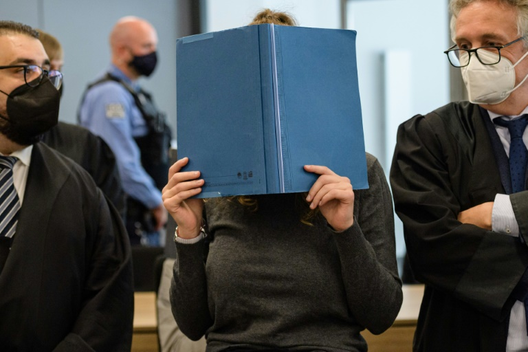 Mutmaßliche Linksextremisten in Dresden wegen Angriffen auf Rechtsextreme vor Gericht (© 2021 AFP)