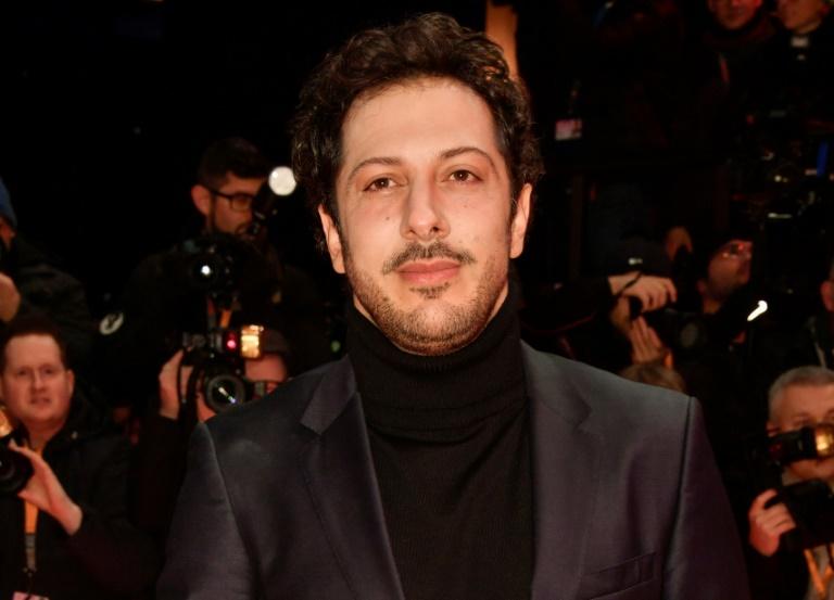 Schauspieler Fahri Yardim findet sich deutlich uncooler als seine TV-Charaktere (© 2021 AFP)
