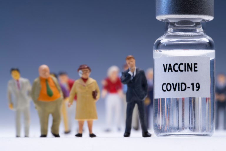 Ungeimpften droht Ende von Lohnersatzleistungen während Corona-Quarantäne (© 2021 AFP)