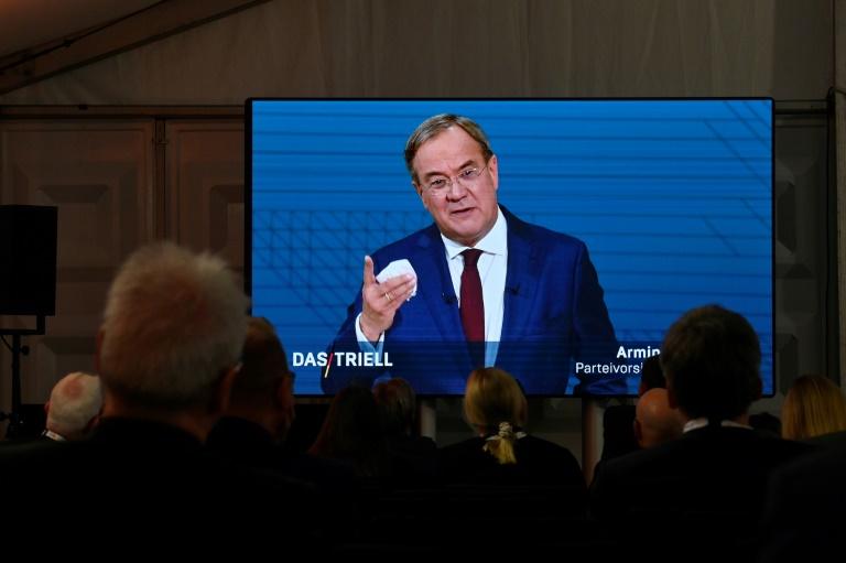 Laschet lehnt Impfpflicht in Deutschland weiter kategorisch ab (© 2021 AFP)