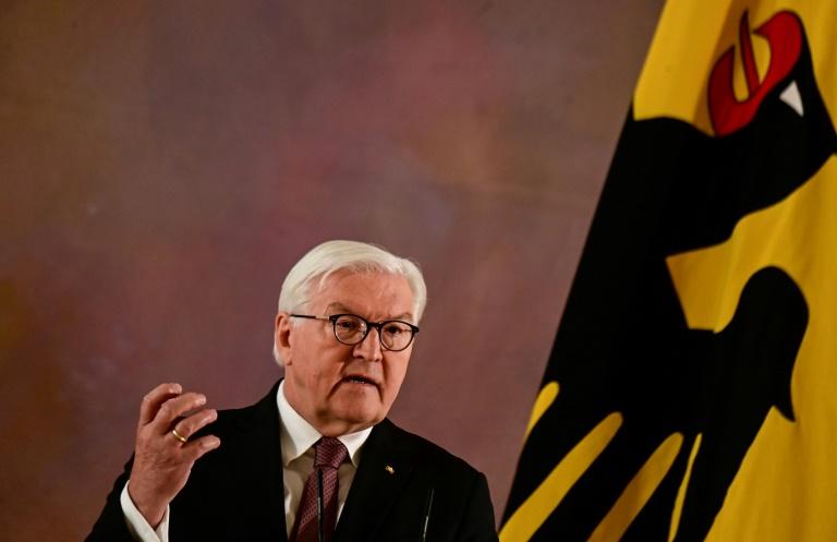 """Steinmeier: Bei Umgang mit NS-Zeit in Bundesrepublik """"vieles noch im Dunkeln"""" (© 2021 AFP)"""