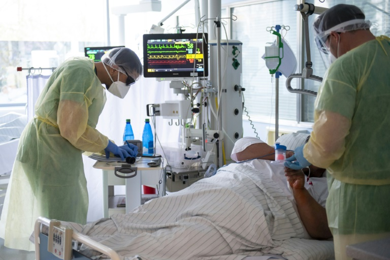 Zahl der Corona-Intensivpatienten steigt über 1500 (© 2021 AFP)