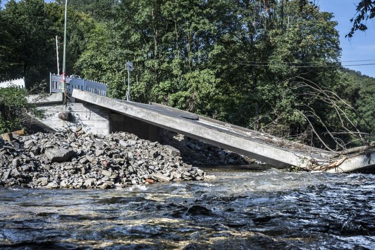 Nordrhein-Westfalen beginnt mit Wiederaufbauhilfe nach Hochwasserkatastrophe (© 2021 AFP)