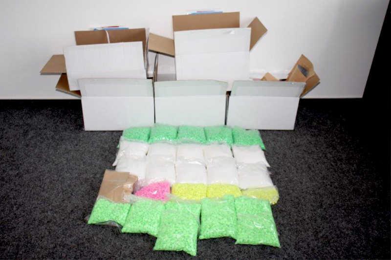Beschlagnahmte Drogen, Rastplatz Neufelder Heide. (Foto: Polizei NRW)