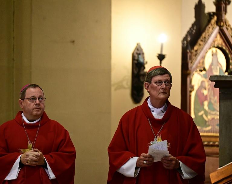 Bischöfe gegen höhere Schmerzensgelder für Missbrauchsopfer (© 2021 AFP)