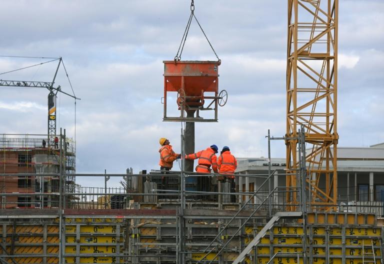 """Ifo-Umfrage: Materialmangel auf dem Bau """"entspannt sich etwas"""" (© 2021 AFP)"""