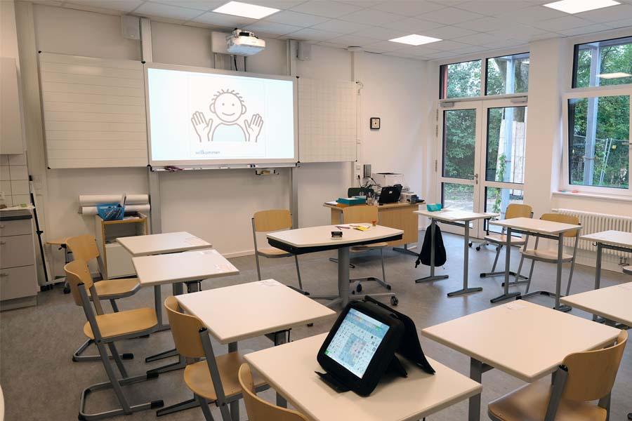 In dem neuen Gebäudekomplex sind für beide Förderschulen jeweils drei Unterrichtsräume inklusive Nebenräume entstanden (Foto: Stadt Düsseldorf/Wilfried Meyer)