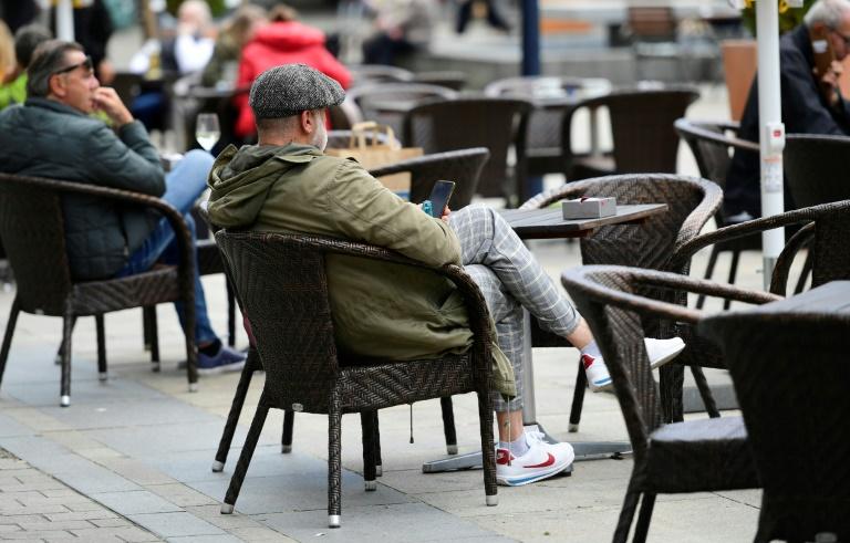 """Nordrhein-Westfalen setzt Downloadmöglichkeit für neue Notrufapp """"Nora"""" aus (© 2021 AFP)"""