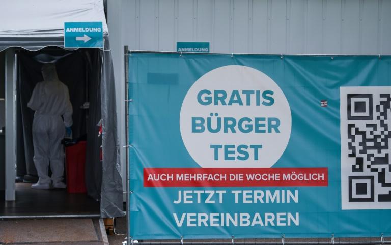 Für Gemeinderäte in Nordrhein-Westfalen gilt weiter die 3G-Regel (© 2021 AFP)