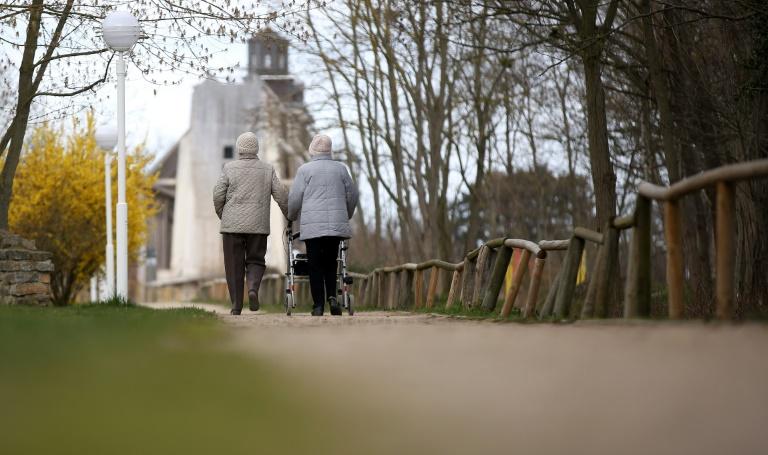 Zahl der Menschen im Rentenalter nimmt bis 2035 deutlich zu (© 2021 AFP)