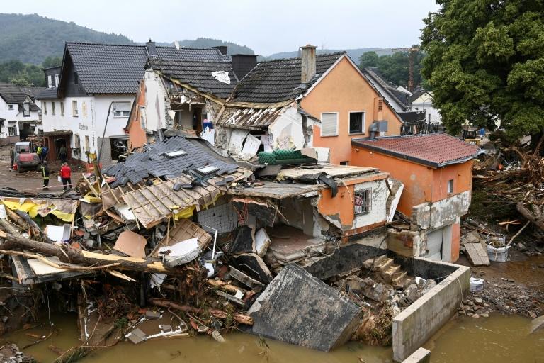 34 Häuser im Ahrtal können nicht an früherer Stelle wieder aufgebaut werden (© 2021 AFP)