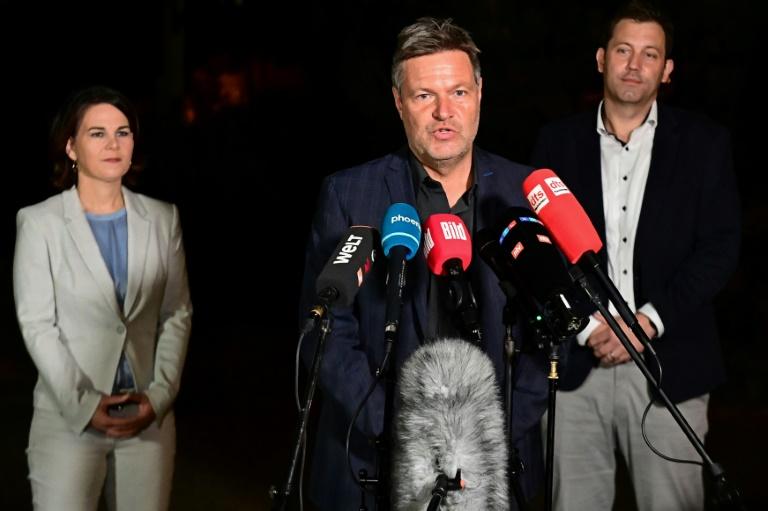SPD lobt gutes Gespräch mit Grünen und dringt auf Dreiertreffen mit der FDP (© 2021 AFP)