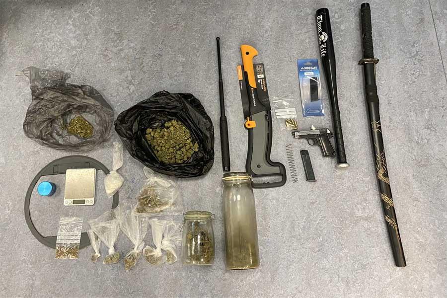 Polizei Düsseldorf stellt Waffen und Drogen sicher (Foto: Polizei Düsseldorf)