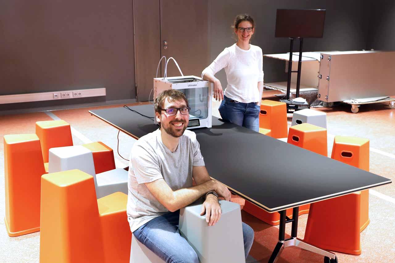 Maike Lins und Dirk Ehlen vom Digitalen Services-Team der Stadtbüchereien (Foto: Stadtbüchereien Düsseldorf)