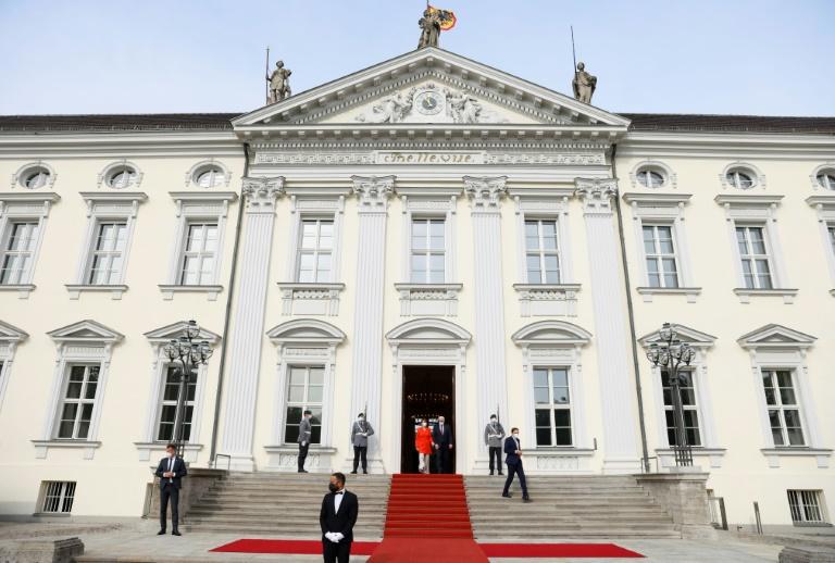 Steinmeier übergibt seinen Amtssitz für einen Tag an junge Leute (© 2021 AFP)