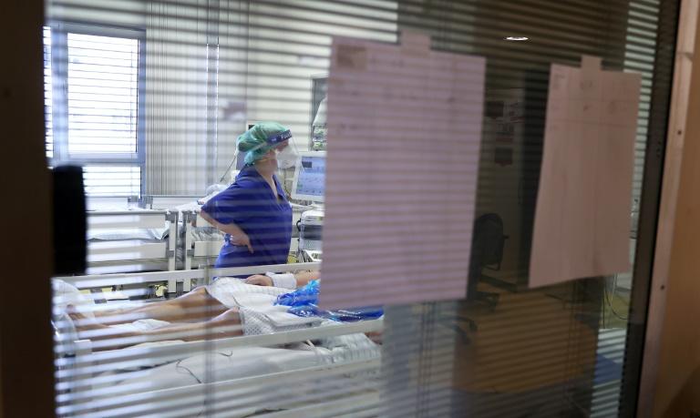 RKI: Bundesweite Sieben-Tage-Inzidenz auf 63,8 gestiegen (© 2021 AFP)
