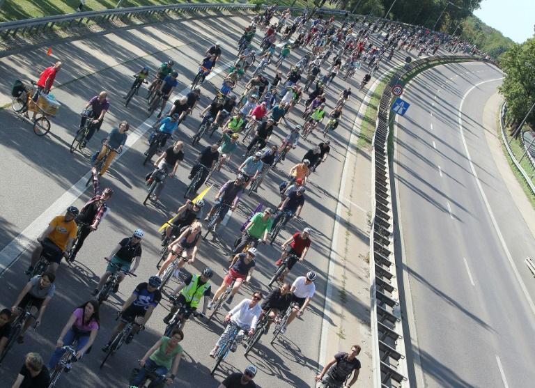 Oberverwaltungsgericht verbietet Fahrraddemonstration auf Autobahn 4 in Sachsen (© 2021 AFP)