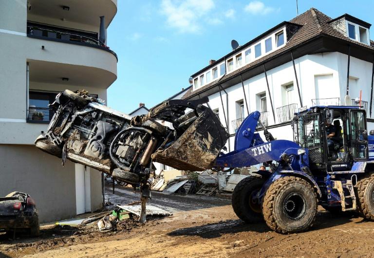 Technisches Hilfswerk leistet bisher größten Einsatz wegen Flutkatastrophe (© 2021 AFP)