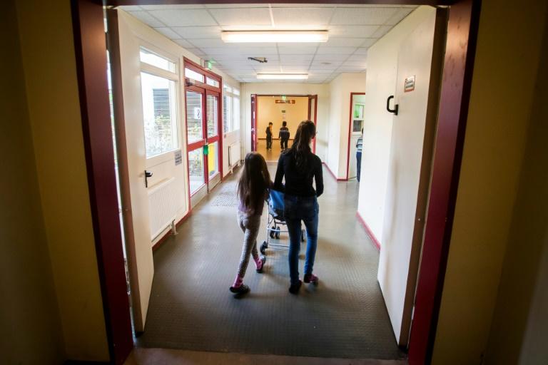 Studie: Deutsche Staatsbürgerschaft steigert Schulerfolg von Kindern (© 2021 AFP)
