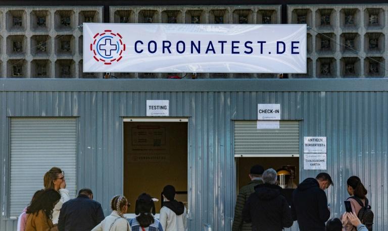 Coronatests haben Bund bereits mehr als fünf Milliarden Euro gekostet (© 2021 AFP)