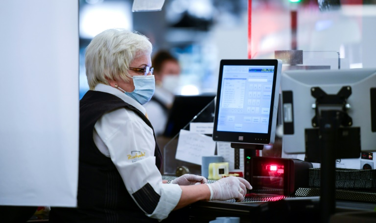 """Bertelsmann-Stiftung schlägt Auswege aus der """"Zweitverdienerinnenfalle"""" vor (© 2021 AFP)"""