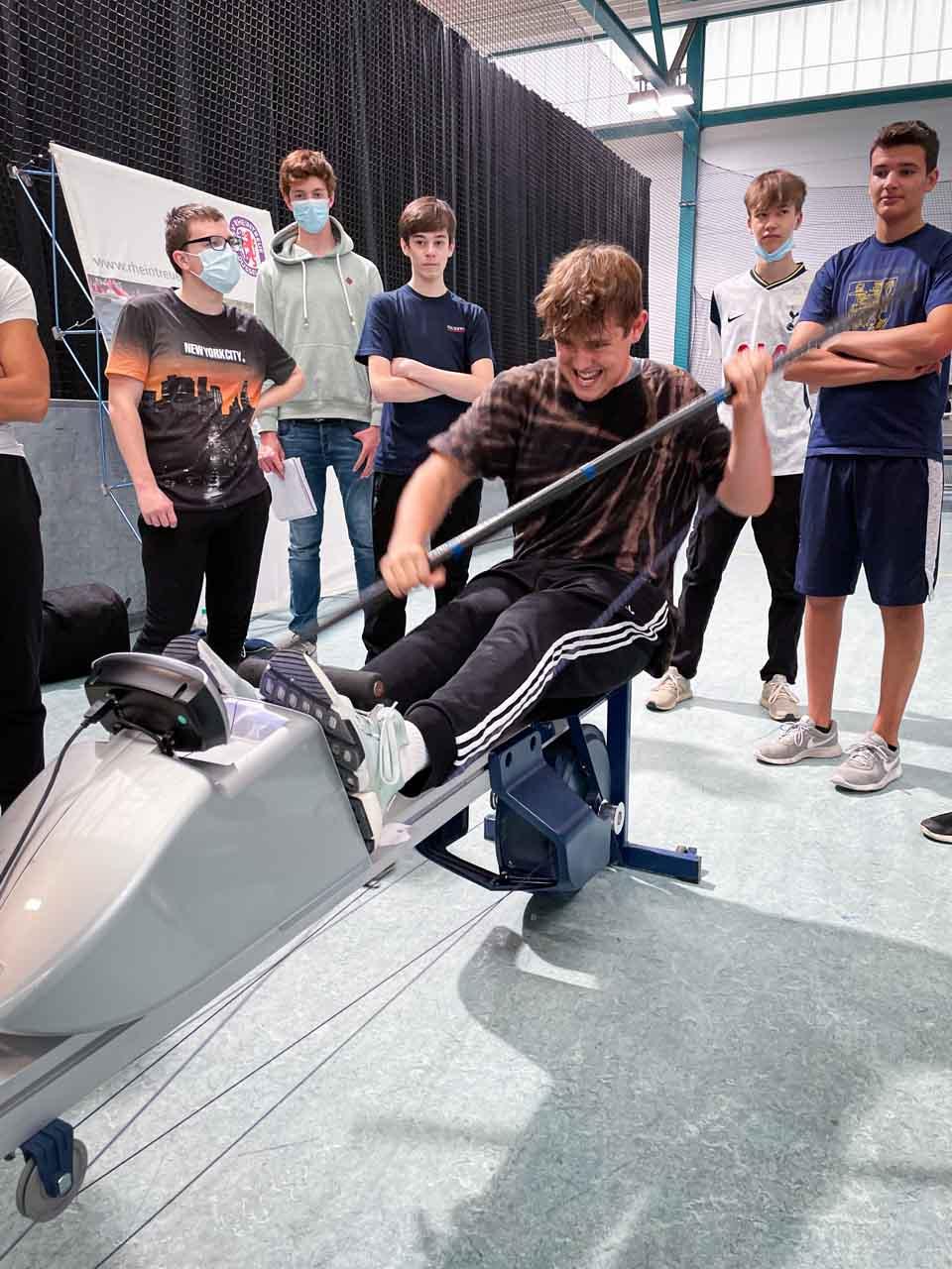 Am Sportpark Niederheid konnten die Kinder und Jugendlichen verschiedene Sportarten ausprobieren(Foto: Stadt Düsseldorf/Feuerwehr)