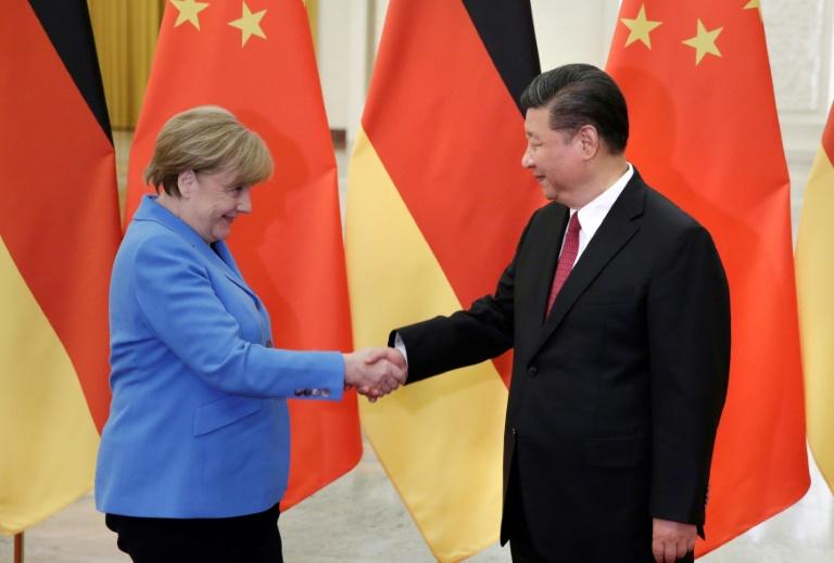 """Merkel führt """"Abschiedsgespräch"""" mit Chinas Staatschef Xi (© 2021 AFP)"""