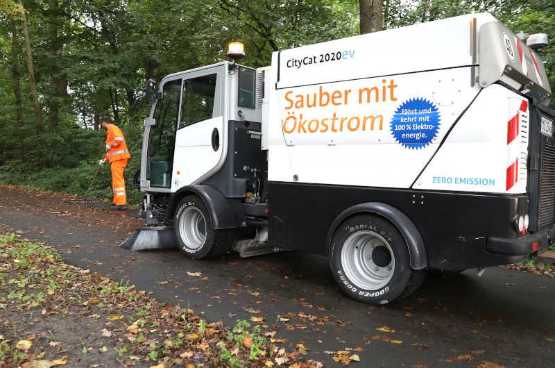 Flüsterleise Laubreinigung im Herbst. (Foto: Stadt Münster)